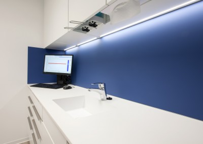 Jeder Behandlungsraum ist mit modernster EDV vernetzt